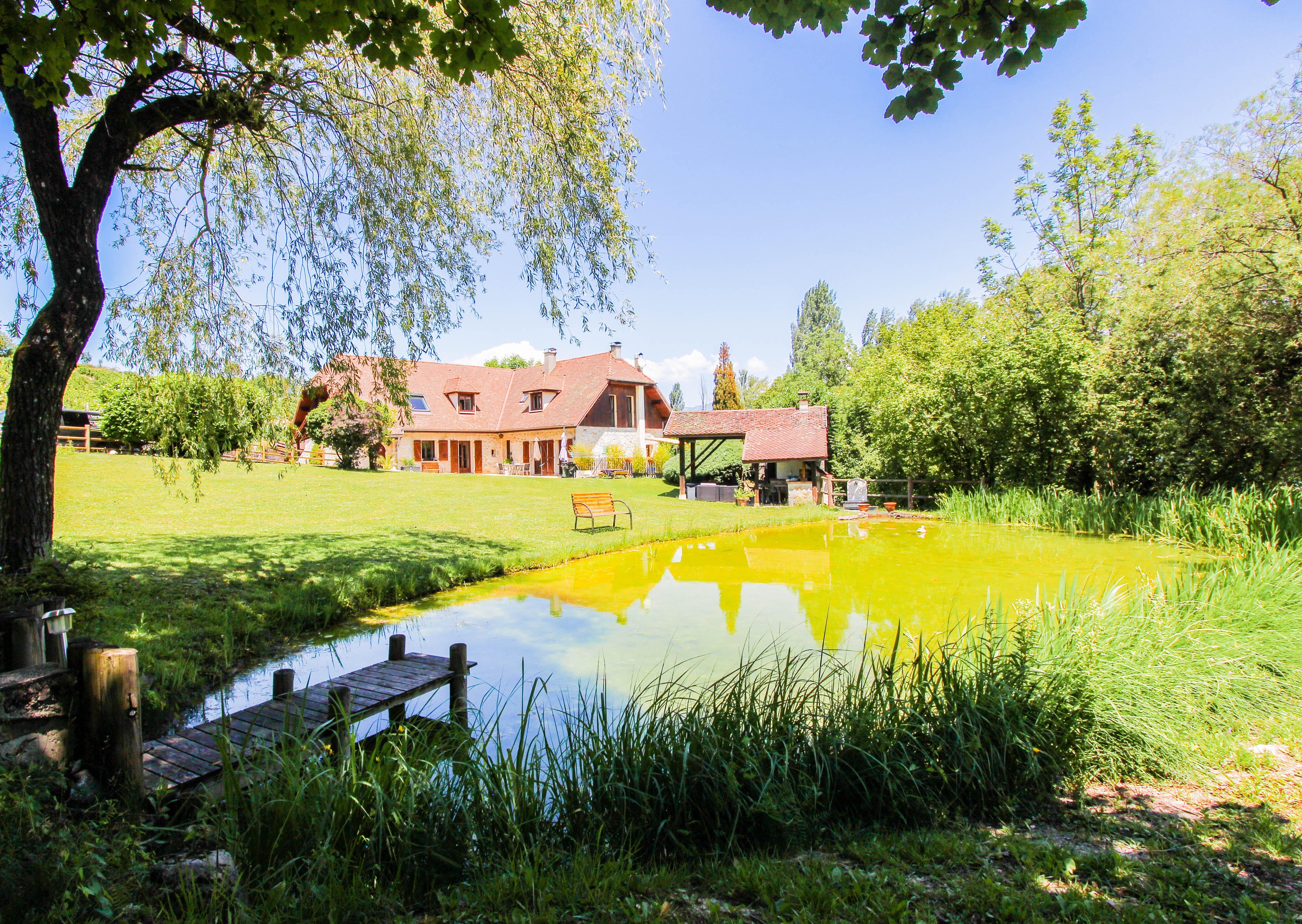 L'étang de la Tourne - Maison avec l'étang