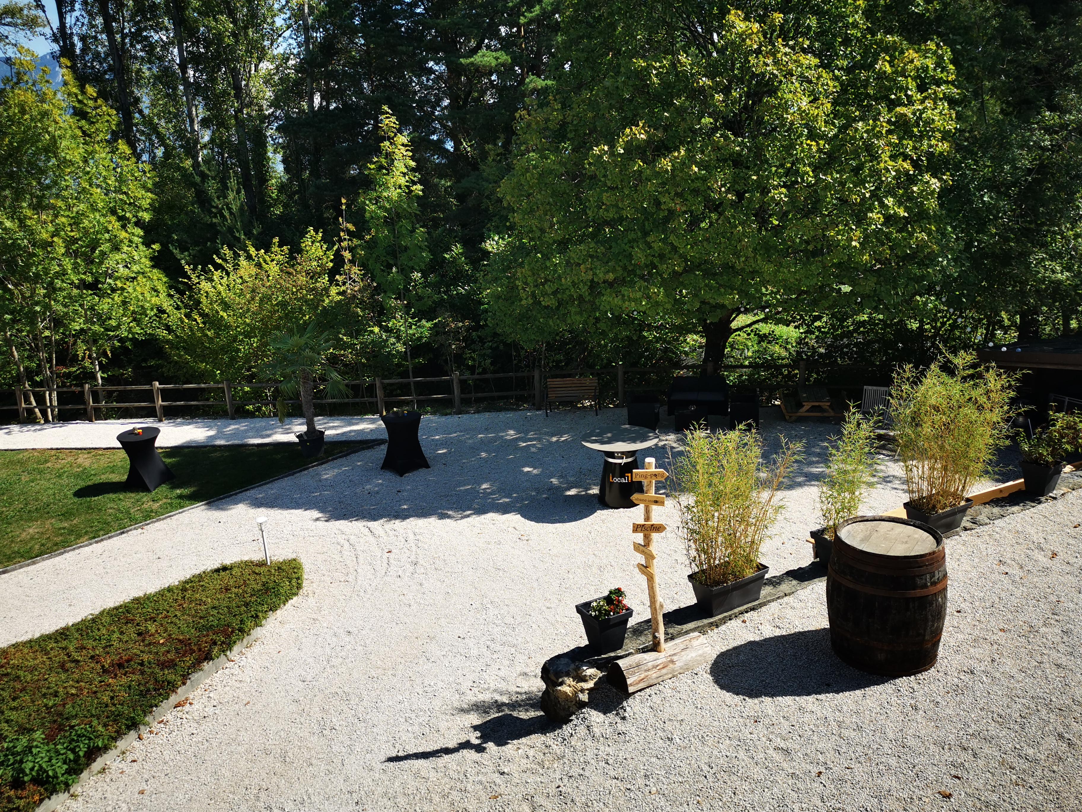 L'étang de la tourne - jardin salle de réception